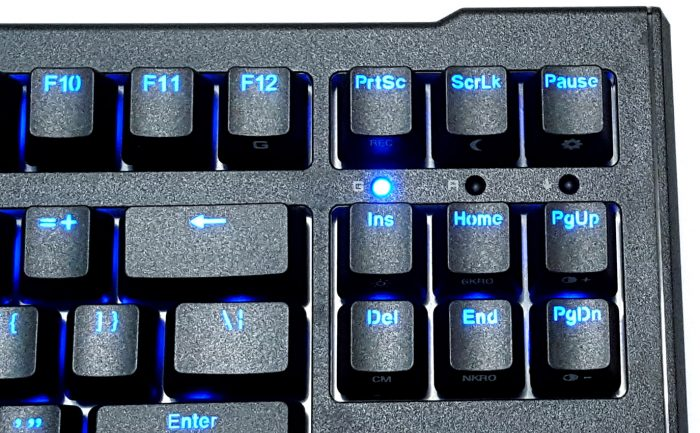LED indication lights for Game mode (Windows key lock), Caps Lock and Scroll Lock